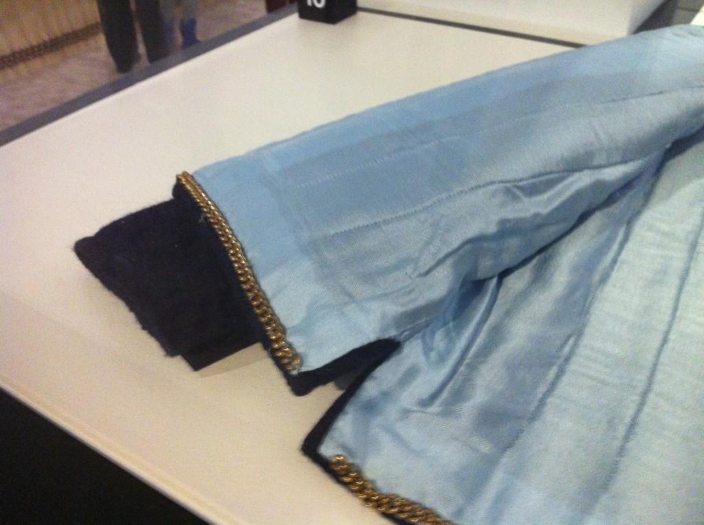 Ketting in zoom Chanel jasje