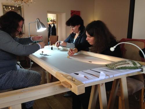 Ingrid, Dyanne en Helga aan het werk