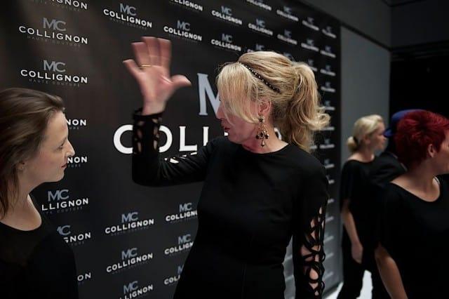Monique Collignon in gesprek met Saskia ter Welle na afloop van de presentatie van de show.