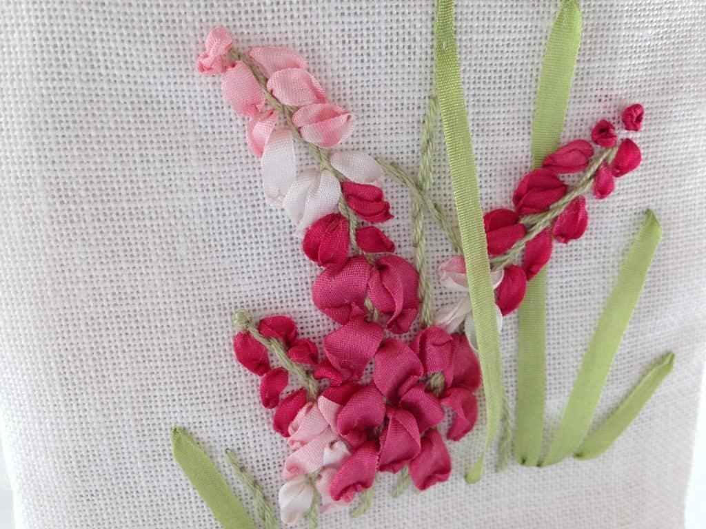 Zijdelint borduren in roze tinten